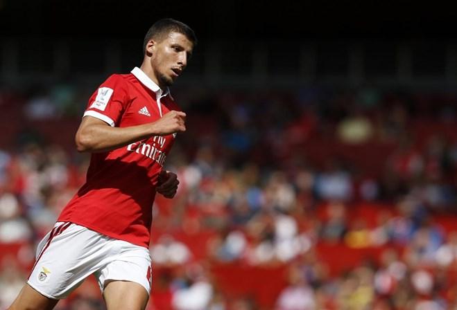 Rúben Dias tem entorse, seleção decide dispensa — Benfica