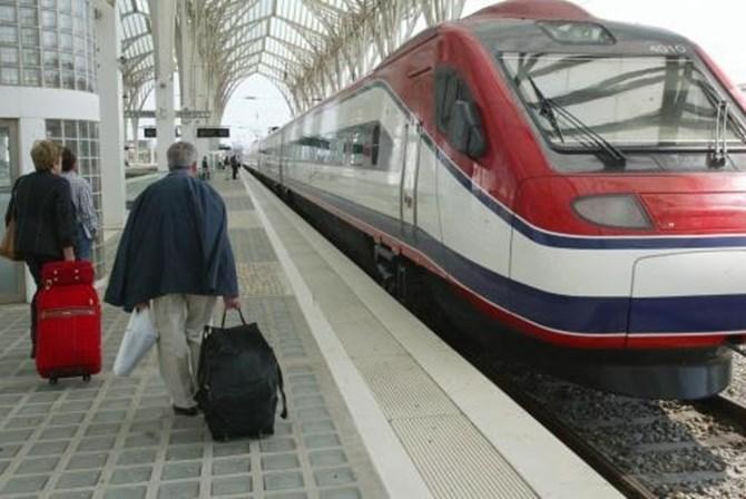 Quase 800 comboios suprimidos na CP