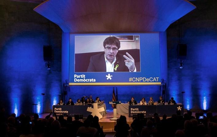 Advogados do parlamento catalão rejeitam que Puigdemont tome posse à distância