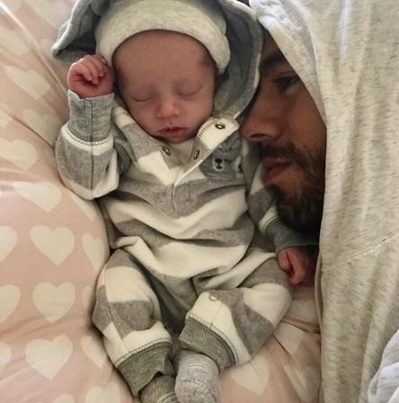 Enrique Iglesias e Kournikova partilham primeira fotografia dos filhos