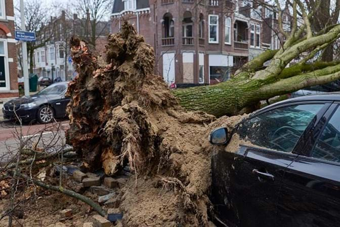 Europa enfrenta caos gerado por tempestade que matou sete pessoas