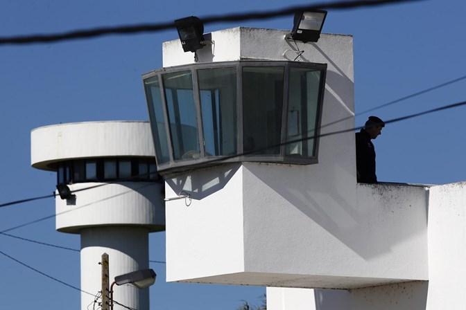 Ministra aguarda avaliação sobre novo horário de guardas prisionais