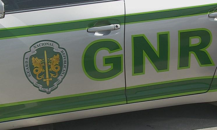 Um desaparecido após dois carros serem arrastados por ribeira — Castro Verde