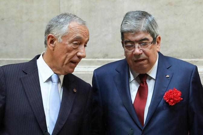 Ferro Rodrigues suspende funções na Assembleia da República para ser operado