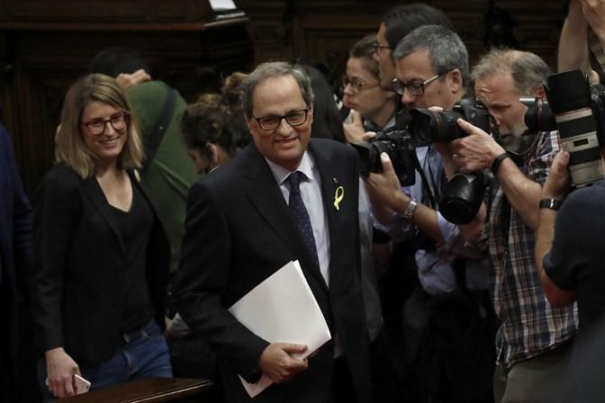 Independentista Quim Torra toma posse como presidente da Catalunha