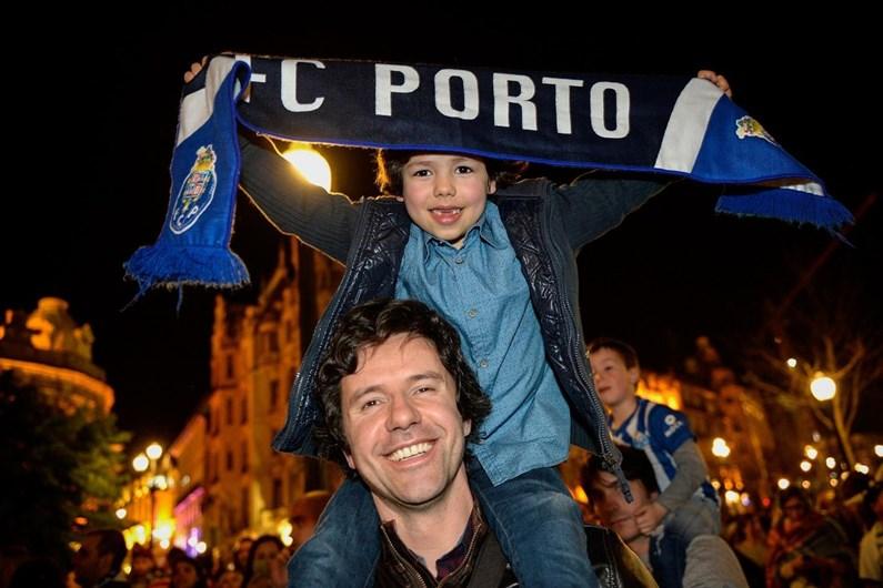 Empate faz o Sporting sorrir e o FC Porto campeão